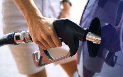 Ціни на бензин знову можуть різко підскочити