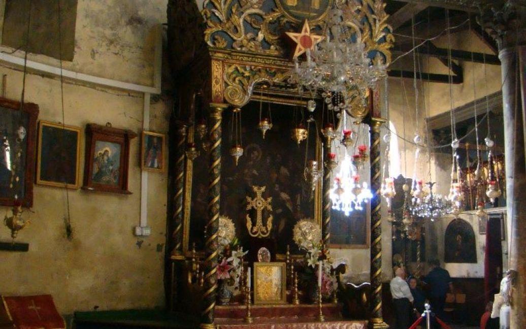 Армянский алтарь в вифлеемском храме Рождества Христова. Фото Дмитрия Шаповалова / © euronews.com
