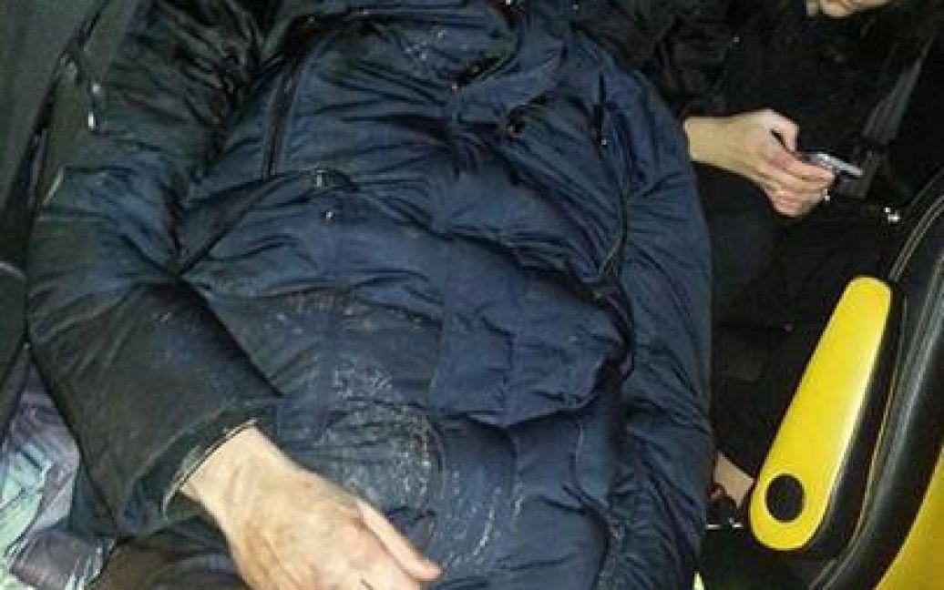 """Избитый """"Беркутом"""" Юрий Луценко. Фото Виталия Манько / © facebook.com/vitaly.manko"""