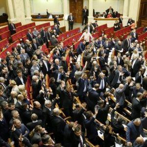 """""""Беспомощный"""" глава Европарламента призвал Януковича распустить Раду"""