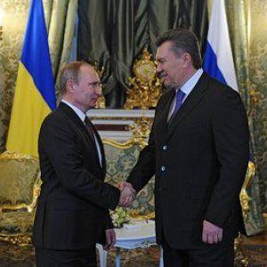 """""""Газпром"""" на треть снизил для Украины цену на газ"""