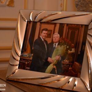 Пшонка подражал королевским семьям, а Януковичу не хватало любви - эксперты