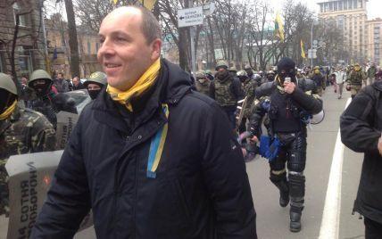 Майданівці зайняли всі урядові будівлі та заявили про контроль над Києвом