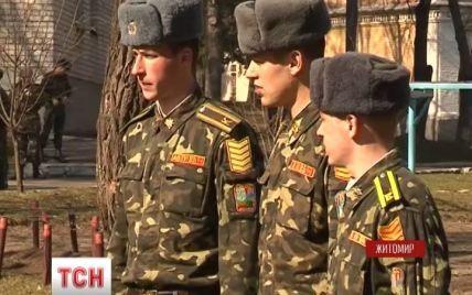 Курсанти, які повернулись з окупованого Криму, розказали про напади і провокації