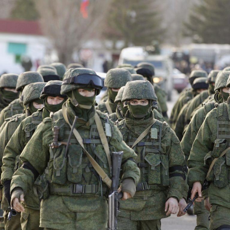 """Российские военные угрожают завтра утром начать """"настоящий штурм по всему Крыму"""""""