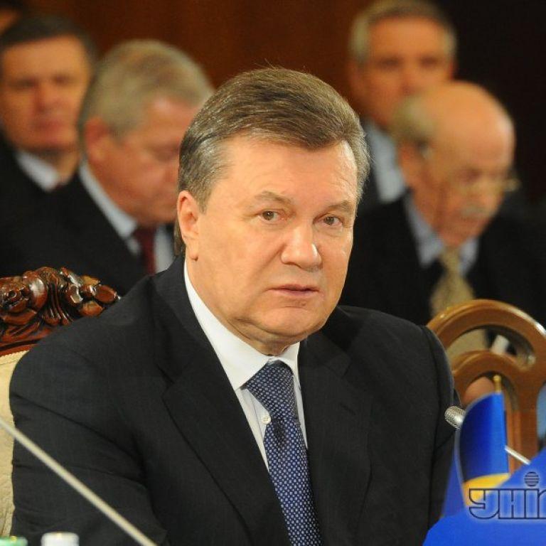 """Янукович підписав закон про """"амністію"""" та скасування законів """"16 січня"""""""