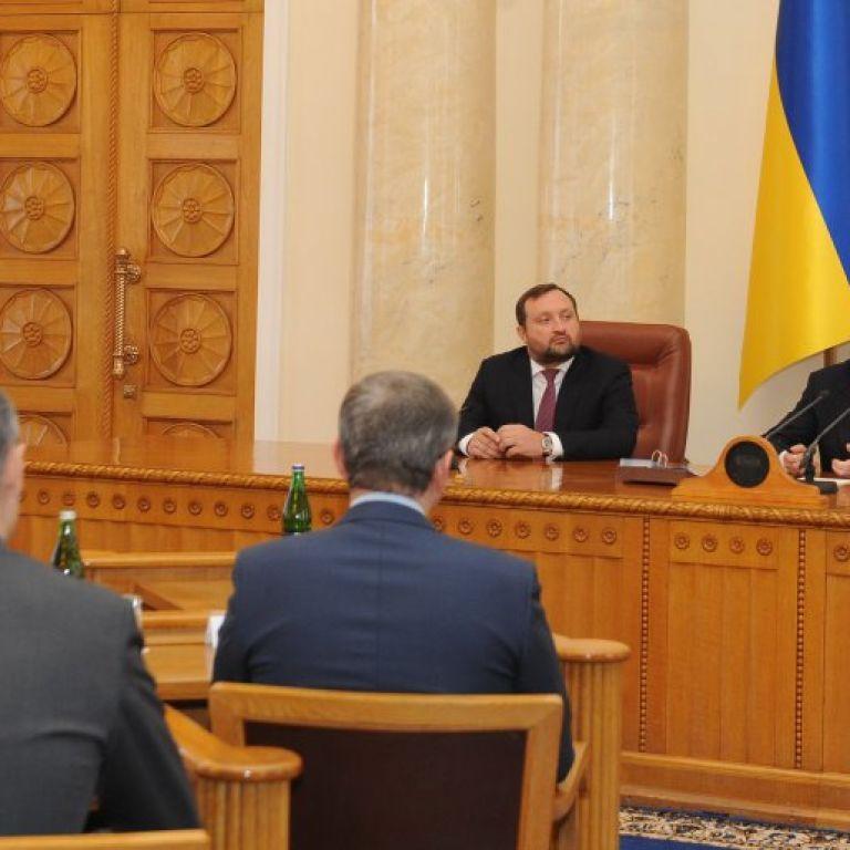 Азарова та Клюєва виженуть з Партії регіонів
