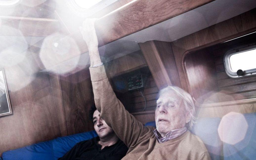 Щоб судном можна було керувати на дотик, потрібен ідеальний порядок: кожен прилад та інструмент має бути на своєму незмінному місці / © laiaabril.com