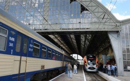 Через дефіцит вагонів українці вже не можуть знайти залізничні квитки на серпень