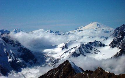 На Ельбрусі застрягла група з 20 альпіністів: троє з них загинули