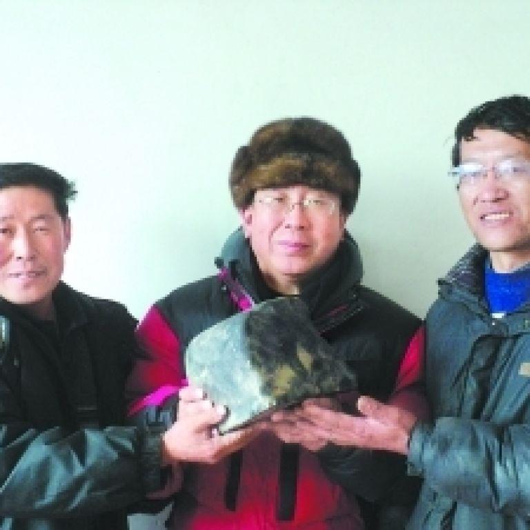На Китай випав унікальний дощ з 12-кілограмових метеоритів