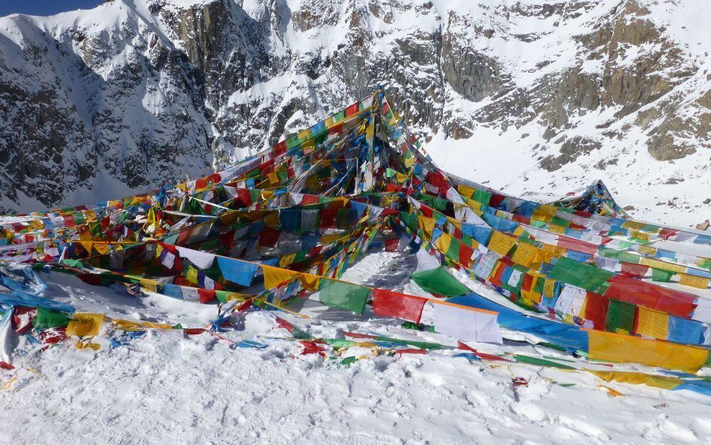 Священный камень Дролма на перевале. 5600 м / ©