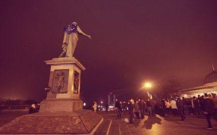 Міліція знесла Євромайдан в Одесі