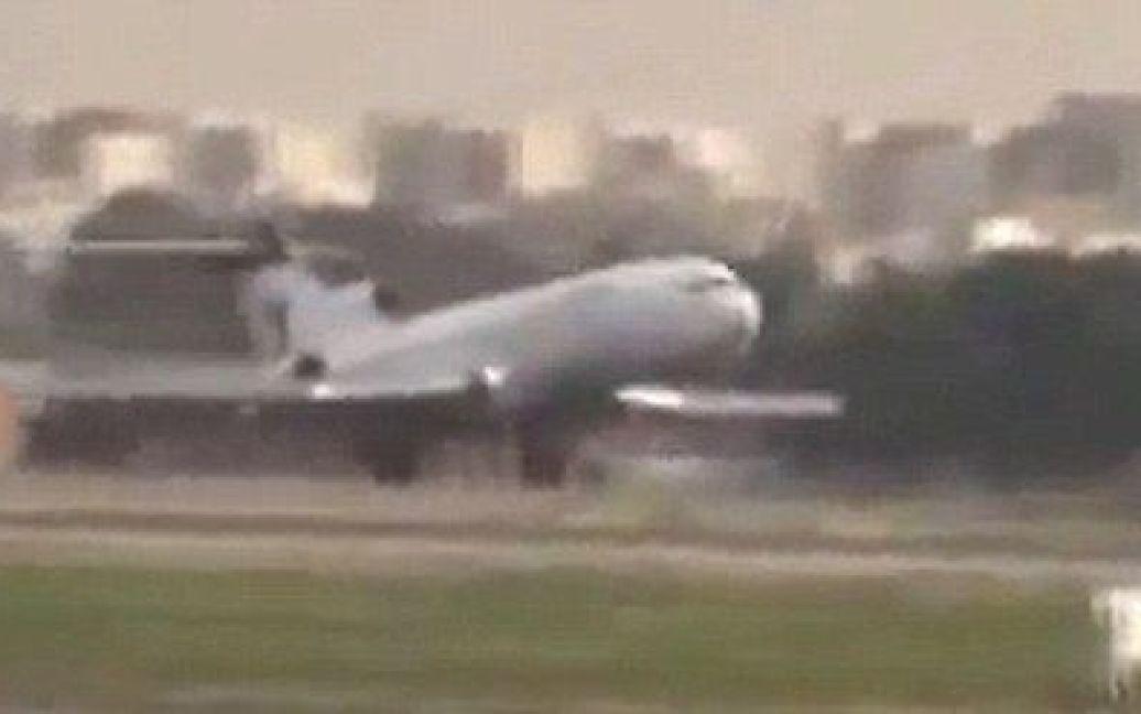 Кадри з відеозапису посадки літака в Тегерані / ©
