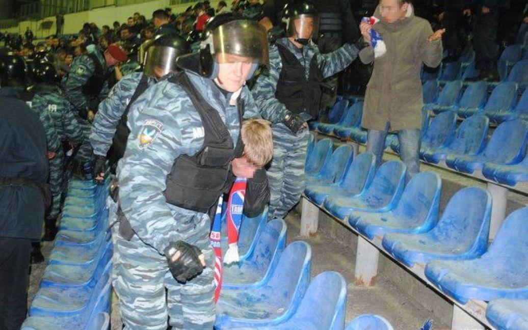 """Вболівальники """"Таврії"""" поскаржилися на дії """"Беркута"""" / © justafree.livejournal.com"""