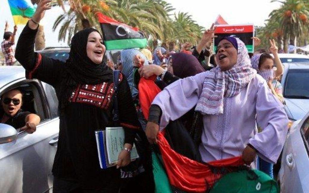 Прихильники лівійської опозиції святкують смерть Каддафі / © AFP