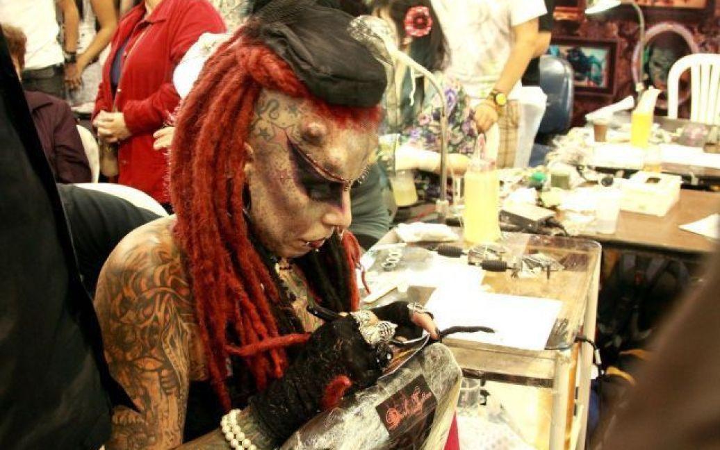 Жінка перетворилась на свого кумира / © bantito.wordpress.com