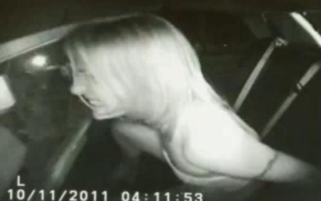 Кадри з відеозапису, зробленого під час арешту Ерін / ©