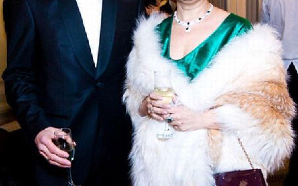 Дружина соратника Юлії Тимошенко Наталія Кожем'якіна майоріла смарагдами на грудях. / © Main People