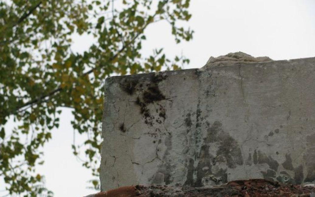 Від пам'ятника Тарасу Шевченку в Стаханові лишився лише постамент / © stakhanov.org.ua