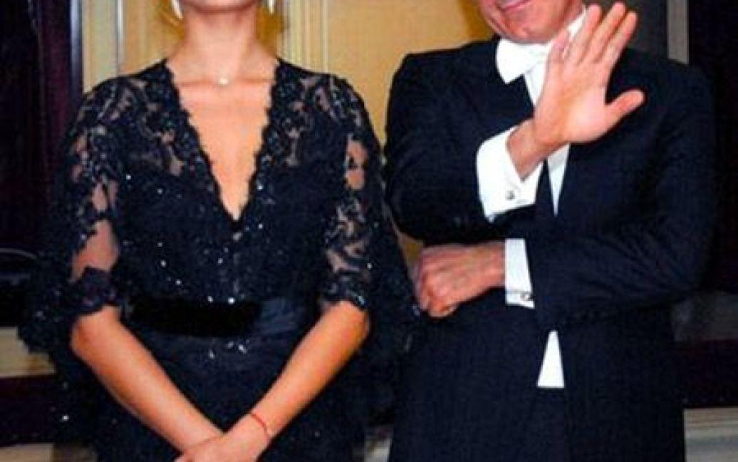 Екс-міністр Микола Рудьковський вальсував з білявою супутницею / © TabloID