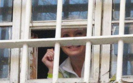 Тюремники запевняють, що Тимошенко сама просить про слідчі дії