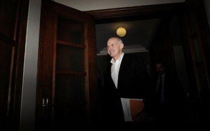 Уряд Греції в повному складі пішов у відставку