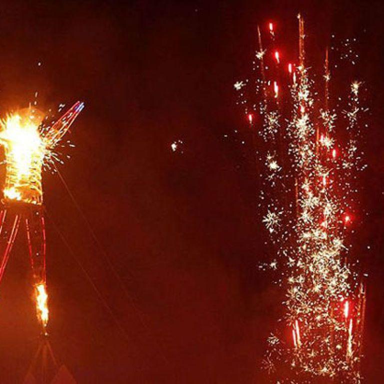 Спалення в прямому ефірі: фестиваль Burning Man вперше проводиться онлайн