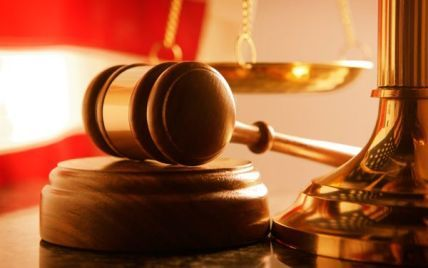 Янукович скасував обов'язкове оприлюднення всіх рішень судів