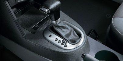 Езда на автоматической коробке передач: водителям рассказали о главных особенностях