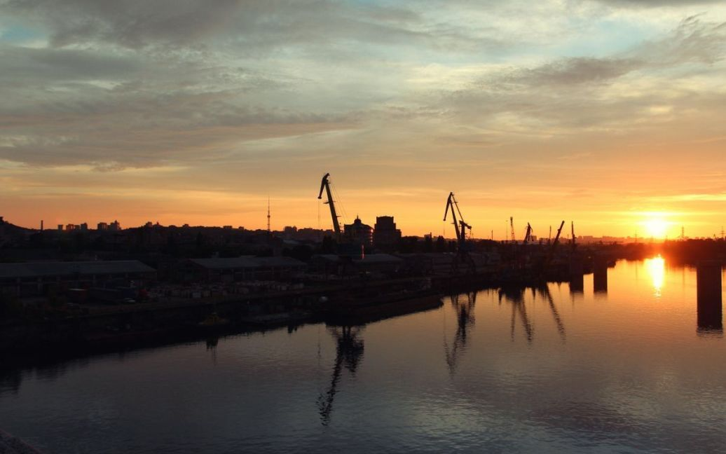 Захід сонця у Києві 11.07.2012 / © Фото (с) Андрій Кисіль