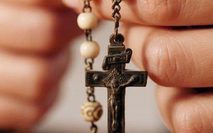 Кримський священик-екзорцист розповів, як рятував школярку від чаклунства вчительки