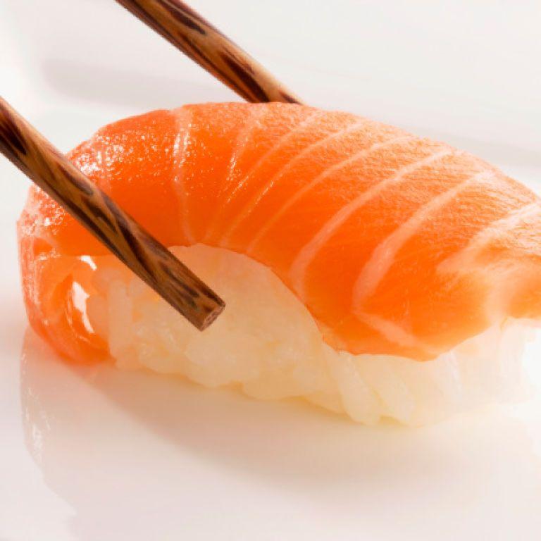 Більшість отруєних у ресторанах Харкова їли суші з лососем