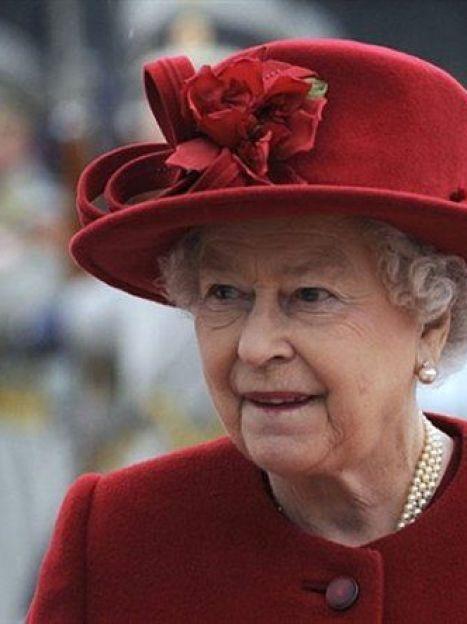Все ее шляпки не очень широкополые и имеют тулью средней высоты (AFP) / ©