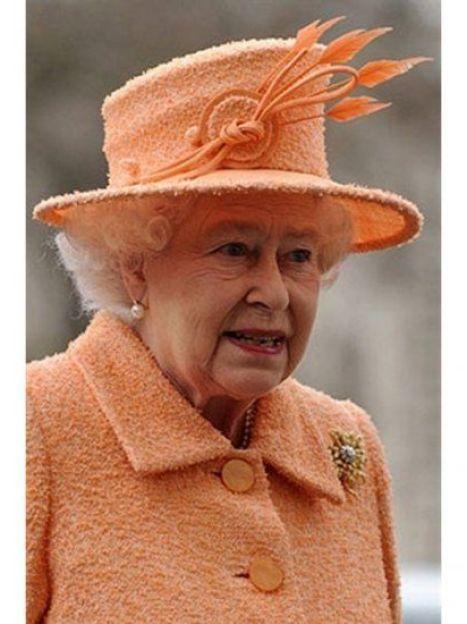 Королева не ограничивает себя в цветовой гамме, но предпочтение отдает чистым ярким цветам (AFP) / ©