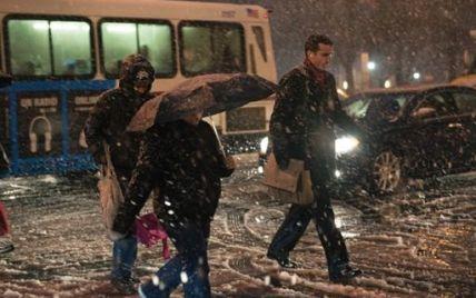 Більше 2 млн американців залишилися без світла через снігову бурю