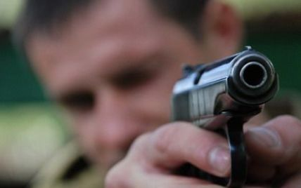 Вбивця з Росії відкрив стрілянину по міліціонерах в центрі Донецька