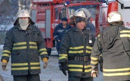 У Києві через недопалок загорілася житлова 16-поверхівка
