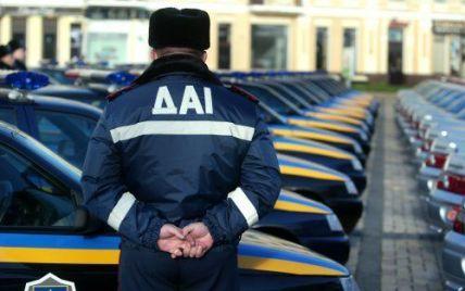 ДАІ записує номери мікроавтобусів, що їдуть до Києва