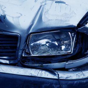 Під Києвом сталась потрійна аварія: в автівки, які чекали на патруль після ДТП, врізалась ще одна
