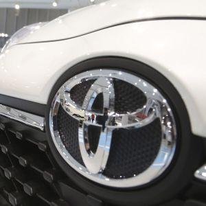 Эксперты составили список самых проблемных моделей Toyota