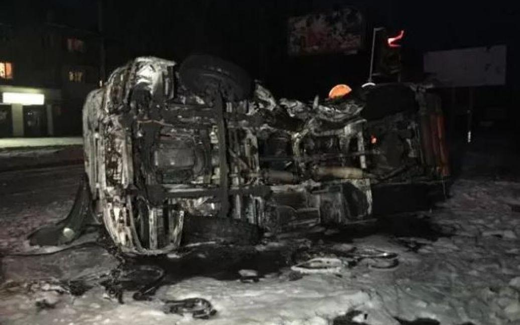 У Донецьку джип бойовиків протаранив автобус, є жертви / © Остров