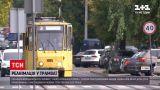 Новости Украины: пассажиры львовского трамвая дважды запустили сердце мужчины и спасли ему жизнь