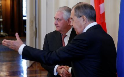 Холодная встреча: Лавров встретил Тиллерсона ледяными замечаниями из-за удара по Сирии - Reuters