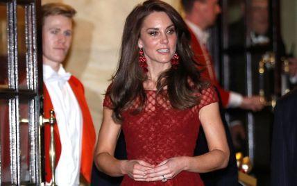 Как Кэтрин: поклонница герцогини Кембриджской взорвала Instagram копиями образов своей любимицы