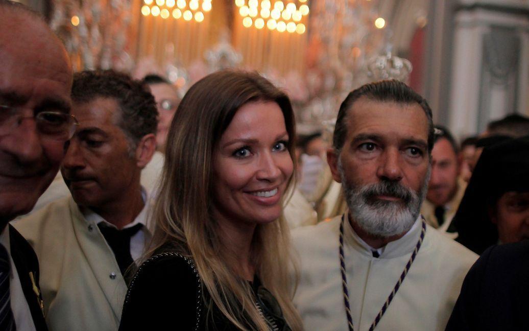 Актер Антонио Бандерас со своей спутницей Кимпел в церкви в Малаге, Испания / © Reuters