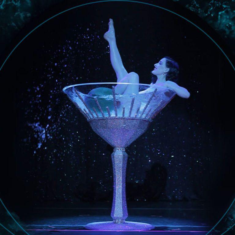 С чем пьют шампанское: праздничное настроение в бокале и на столе