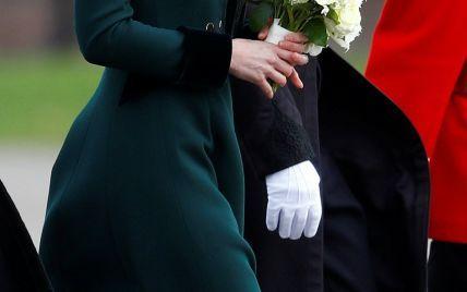 В элегантном пальто и на шпильках: герцогиня Кембриджская на параде в честь Дня святого Патрика