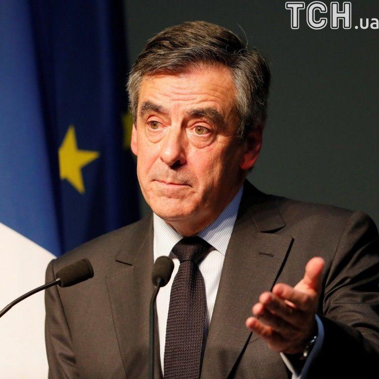 Фийон за две недели до выборов президента Франции опустился на 4 место - опрос