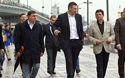 Кличко открыл новую пешеходную зону на набережной Днепра